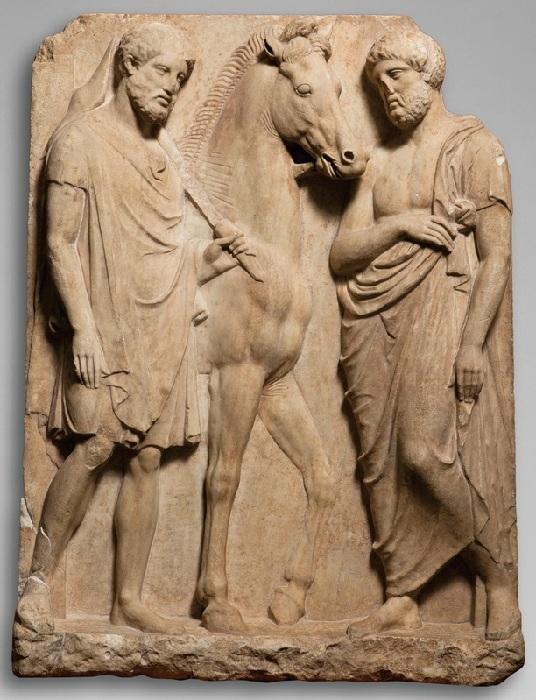 C:\Users\AdminX\Desktop\НАТАЛИ\ПАМЯТНИКИ\сайт\материалы для заполнения\статьи\Как возникла традиция устанавливать памятники\Надгробие афинского всадника.jpg